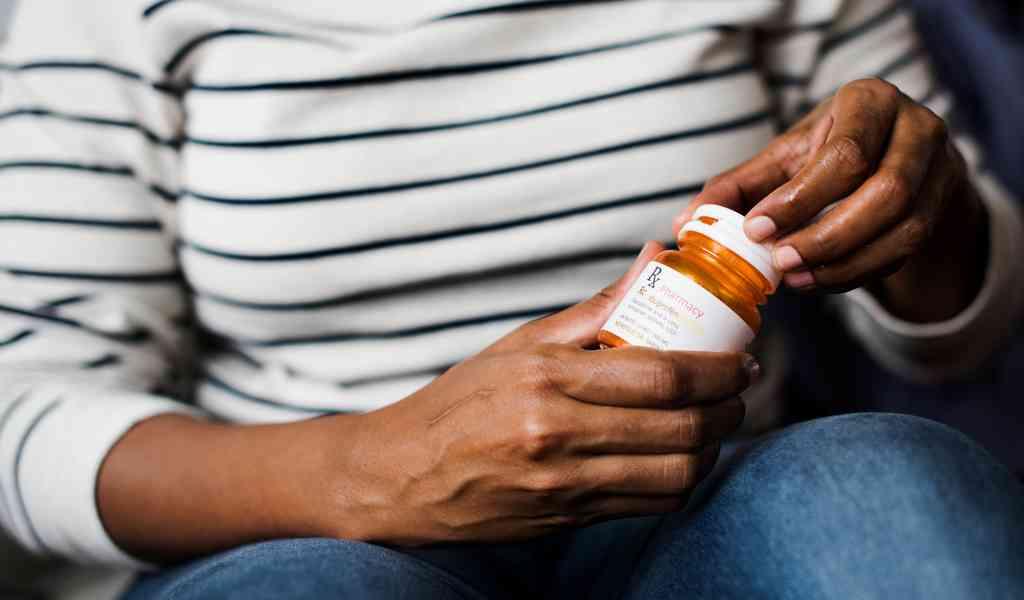 Лечение депрессии в Дорохово медикаментозным способом